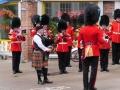 Unser Pipemajor spielt mit den Irish Guards
