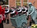 Nun spielen wir mit den Irish Guards gemeinsam